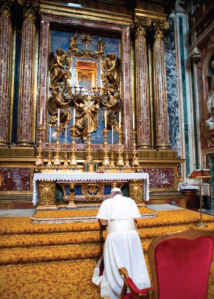 """El nuevo Papa Francisco, rogando a su diosa Virgen María en su primer día después de la elección. ¿Es esto lo que se entiende por """"Neo-evangelicalismo?"""""""
