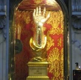 Resultado de imagen de Veneración de reliquias